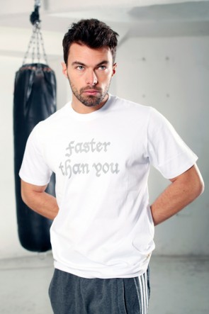 "adidas T-shirt ""Faster Than You"" Wit"
